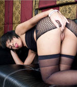 Thai whore in black lingerie has sweet pussy