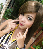 Super hot Thai teen girl Anne posing nude