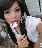 Ann-Sucks-Lollipop-06
