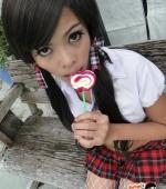 Ann-Sucks-Lollipop-09