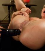 annie-cruz-anal-sex-04