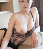 Busty-Chinese-Babe-01