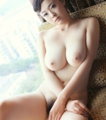 Busty-Chinese-Babe-09