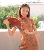china-girl-from-shanghai-works-as-tv-exec-03