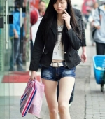 china-girl-really-in-short-pants-pics-taken-04