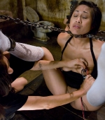 Dragon-Lily-force-to-suck-on-toes-04