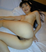 Japanese-girl-with-snowy-white-skin-07