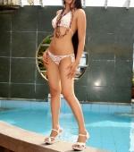 keira-lee-sexy-bikini-03