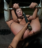 kinky-BDSM-scene-with-Asian-London-Keyes-12