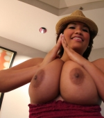 busty_asian_reina_lee-12