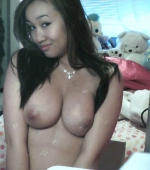 thai-gfs-cover-her-nipples-07