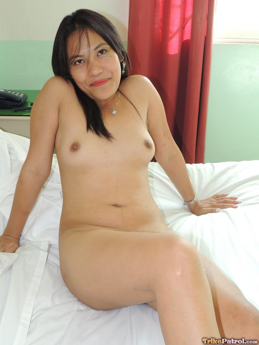 Filipina bitch sucking big black cock untill the end