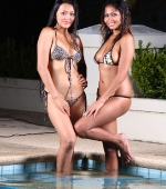 two-sexy-ladies-01