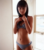 yuko-ogura-02