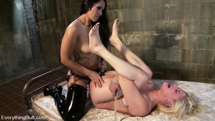 Naked mature plump women
