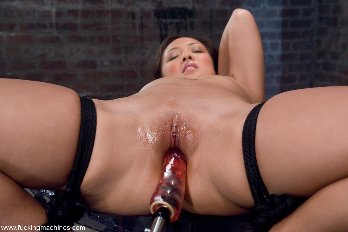 Asian Pornstar Jandi Lin Fucked By Machine  Asian Porn Times-2284