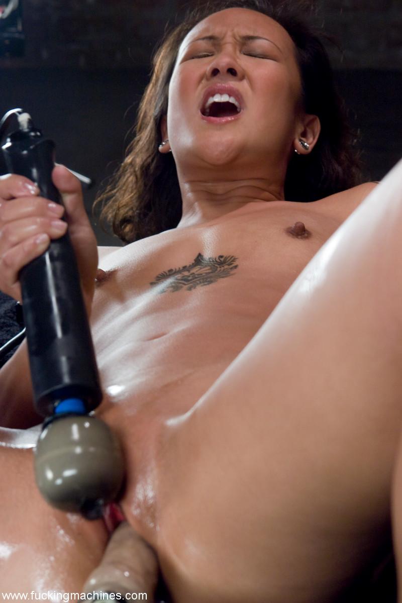 Asian Pornstar Jandi Lin Fucked By Machine  Asian Porn Times-3297