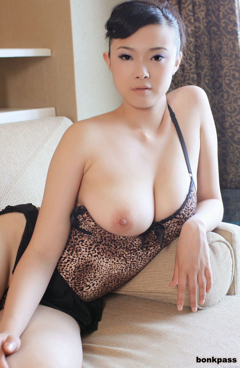 Naked Chinese Women With Big Tits