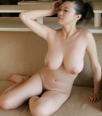Busty-Chinese-Babe-07