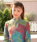 china-girl-from-shanghai-works-as-tv-exec-01