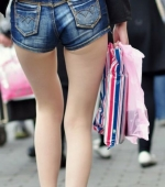 china-girl-really-in-short-pants-pics-taken-10