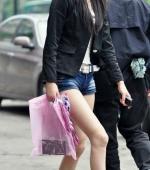 china-girl-really-in-short-pants-pics-taken-11