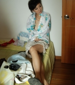 China-girl-trying-her-hand-on-nude-modeling-01