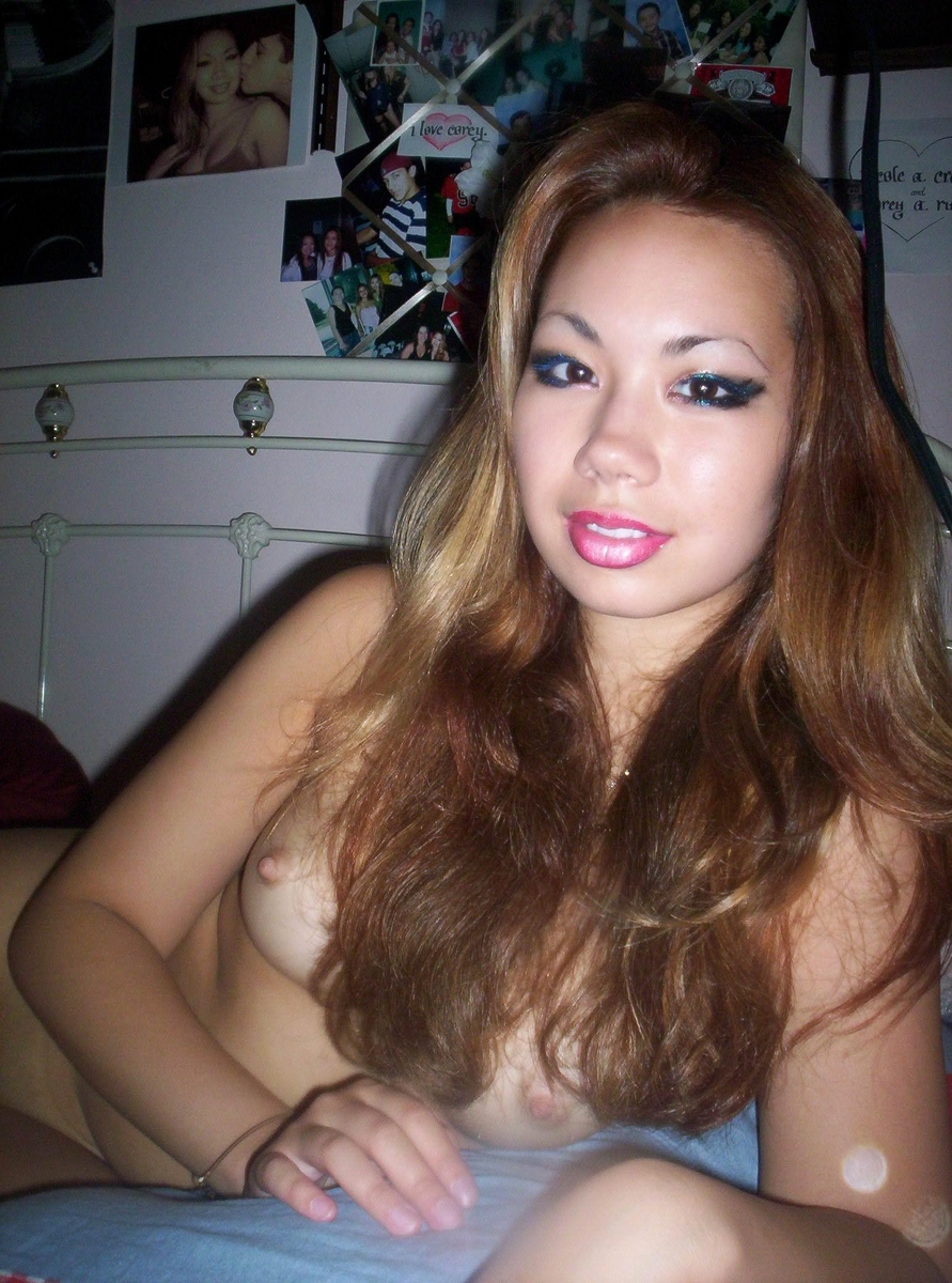 Slutty Looking Chinese Girlfriend Posing Naked  Asian -9199