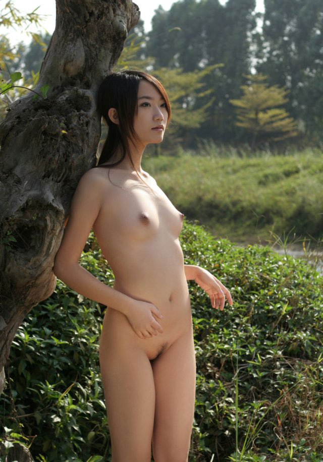 naked-asian-model-schoolgirl-uniform-blowjob-gifs