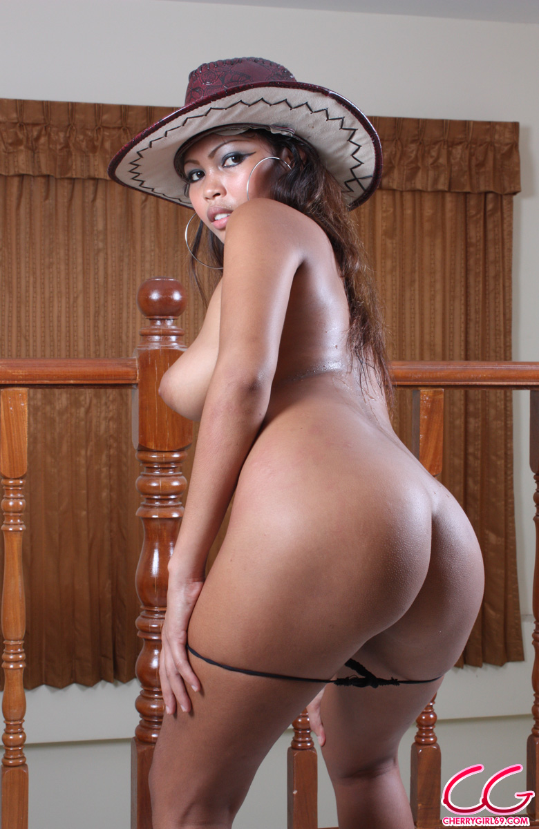 Filipina Babe Posing Naked With Cowboy Hat  Asian Porn Times-7885