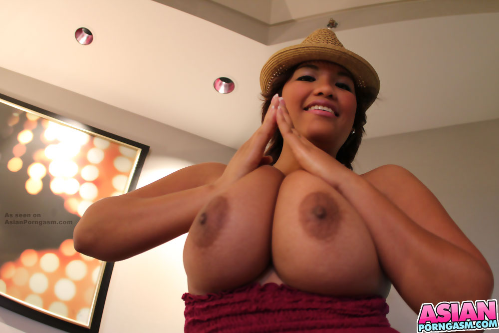 Busty Asian Girl Reina Lee Showing Off Her Big Juggs -6121