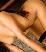 thainee-stripping-09