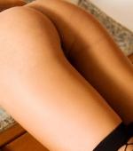 thainee-stripping-15