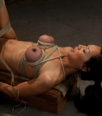 Tia-Ling-in-Wired-Pussy-03