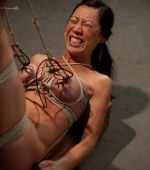 Tia-Ling-in-Wired-Pussy-04